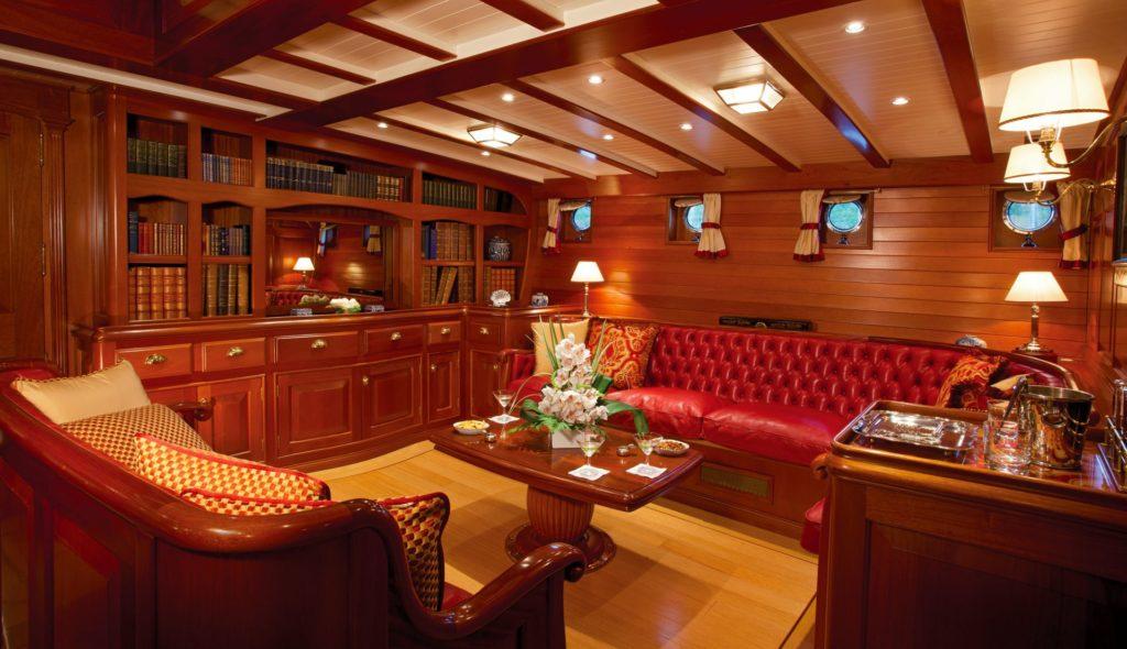 schooner elena guest accommodation