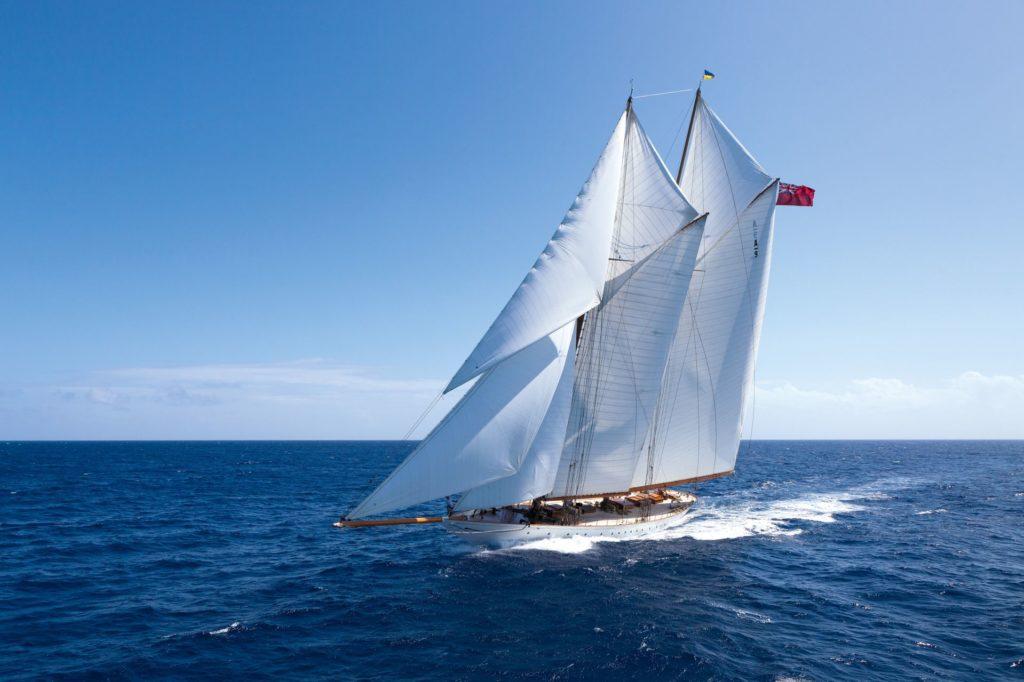 schooner elena racing