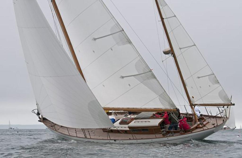 Mah Jong classic racing yacht